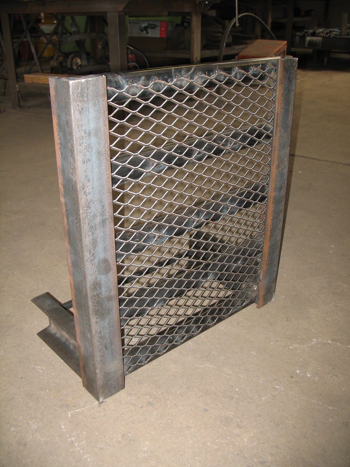 Tractor Grill Guard For Trailer : Gallery misc fabricating img
